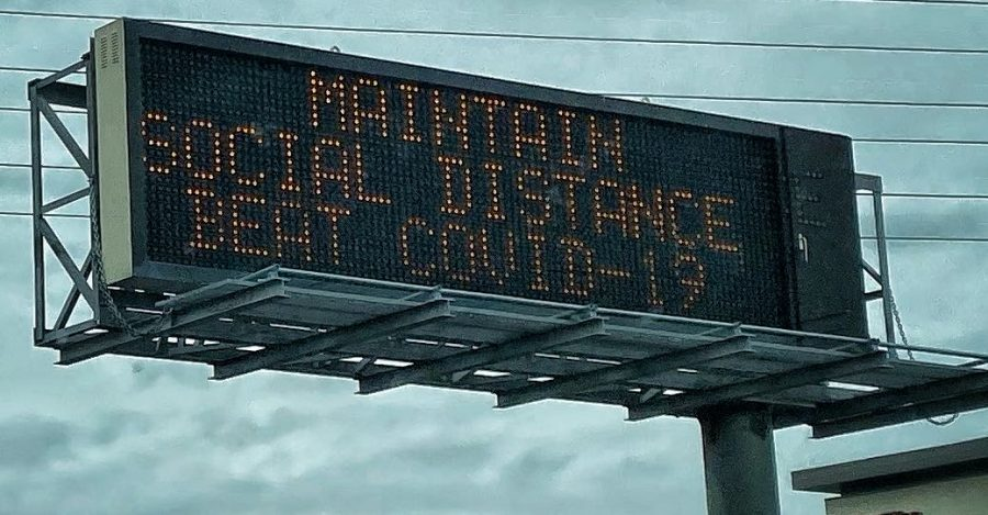 A+notification+board+on+a+highway