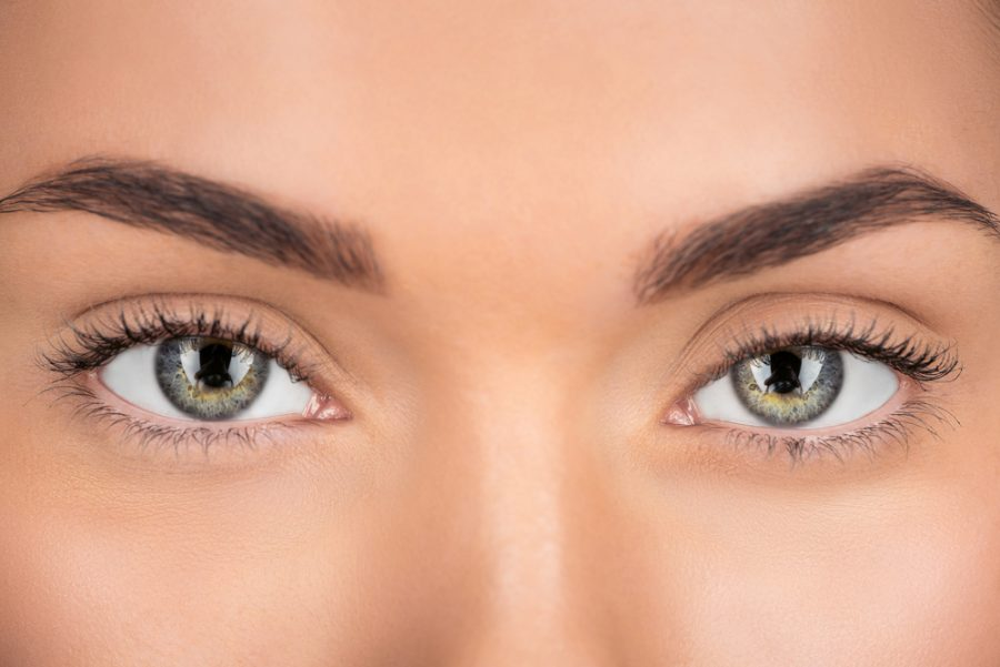 Closeup+of+womans+green+eyes+and+brown+eyebrows