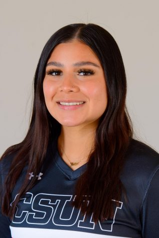 How East Los Angeles's Jaclyn Silva is putting her name on the map and on the softball field