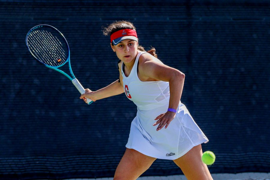 Ana+Fraile+Toboso+during+a+match+against+Jacky+Wagner+from+Azuza+Pacific+University+on+March+19%2C+2021.+Farile+Toboso+split+her+singles+match+against+UC+Irvine%27s+Arianna+Tilbury+with+a+final+score+of+1-1+on+Thursday%2C+April+1%2C+2021.