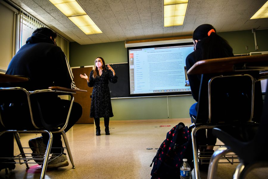 Chicana/Chicano studies Professor Denise Sandoval teaches a class at CSUN in Northridge, Calif. on Tuesday, Oct. 12, 2021.