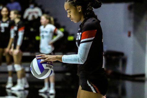 Lauryn Anderson prepares to serve against Hawaii in Northridge, Calif., on Oct. 23 2021.